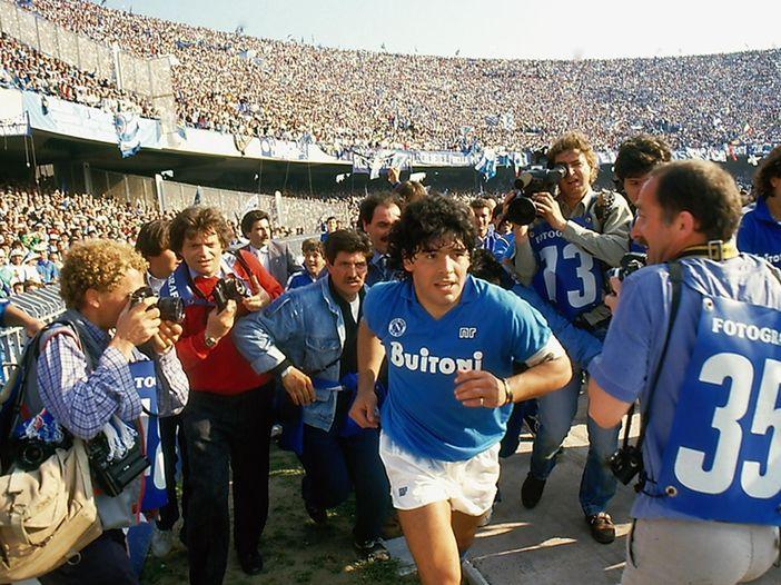 Gli anni di Maradona nel Napoli: la scena musicale in Italia