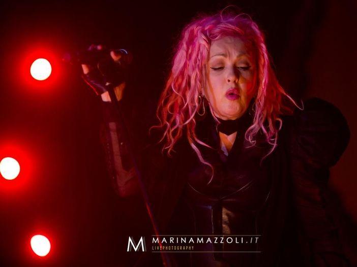 "Cyndi Lauper e Henry Rollins fanno ""Rise Above"" dei Black Flag - VIDEO"