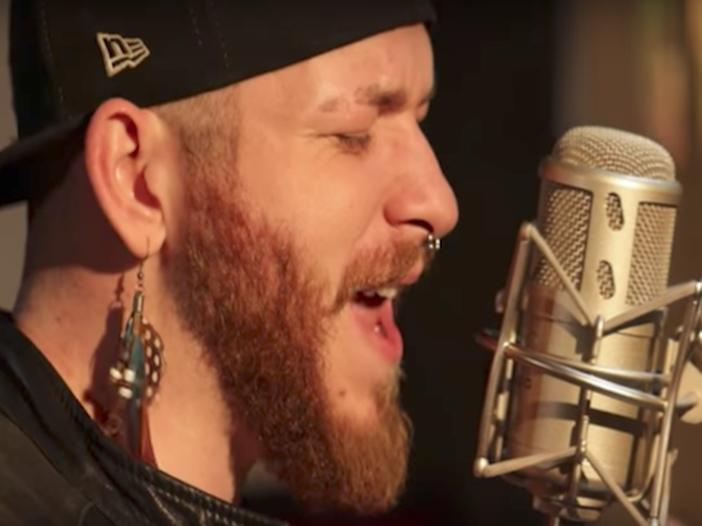 Chi è Nicola Cavallaro, il cantante italiano finalista a The Voice in Francia - VIDEO