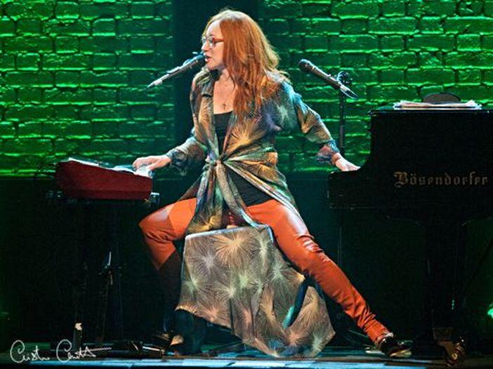 Tori Amos: ascolta il nuovo brano 'Reindeer King' dall'album 'Native Invader' - VIDEO