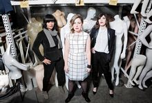 "Sleater-Kinney eseguono dal vivo ""Merry Christmas (I don't want to fight tonight) dei Ramones - VIDEO"