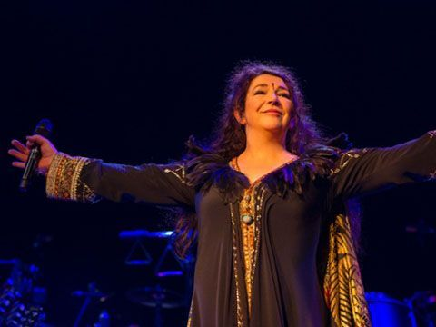 Kate Bush, è record: tutta la discografia nella Top 50 UK