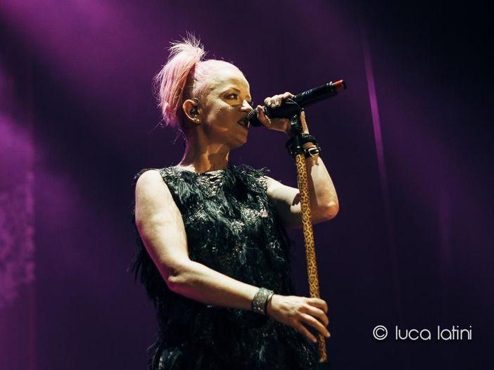 """Digitali prima di te: Shirley Manson racconta """"Version 2.0"""" dei Garbage, vent'anni dopo – INTERVISTA"""