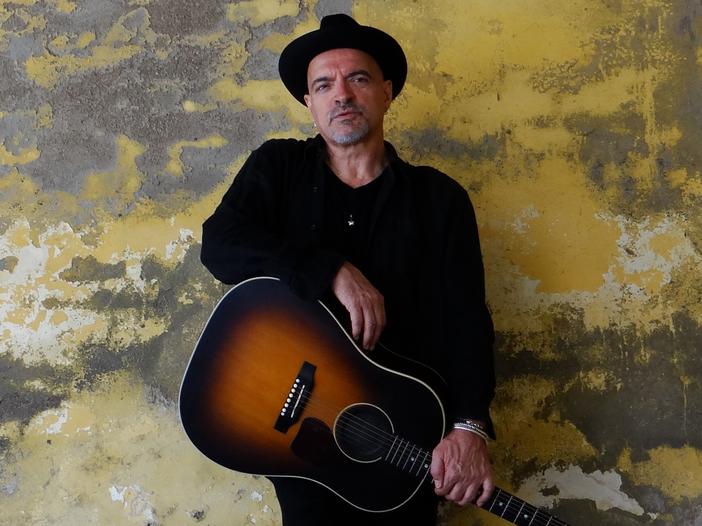 Graziano Romani, la cover di Bruce Springsteen 'Lift Me Up' #NoFilter per Rockol