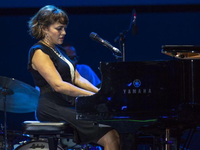 "Norah Jones: ascolta il nuovo singolo ""A song with no name"" insieme a Jeff Tweedy degli Wilco"