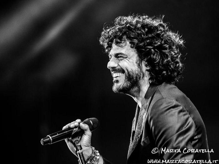 """Concerti, Francesco Renga: lo """"Scriverò il tuo nome live"""" non si ferma, ecco le nuove date"""