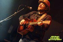 "Jeff Tweedy dei Wilco suona ""I Love You"" di Billie Eilish. Guarda"
