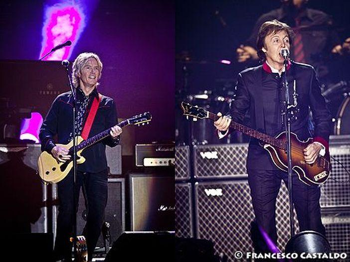Come Paul McCartney si procura i plettri per la sua chitarra