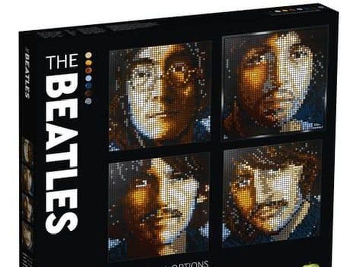 """Beatles, il """"puzzle"""" della Lego"""