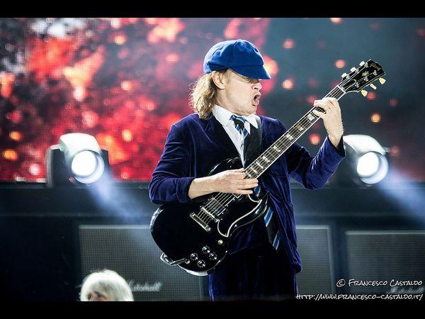 AC/DC con Axl Rose: 7.000 fan belgi chiedono il rimborso del biglietto