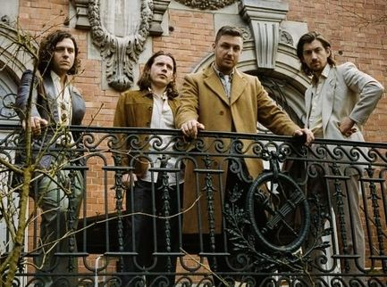 Arctic Monkeys, in uscita un album live per aiutare War Child UK