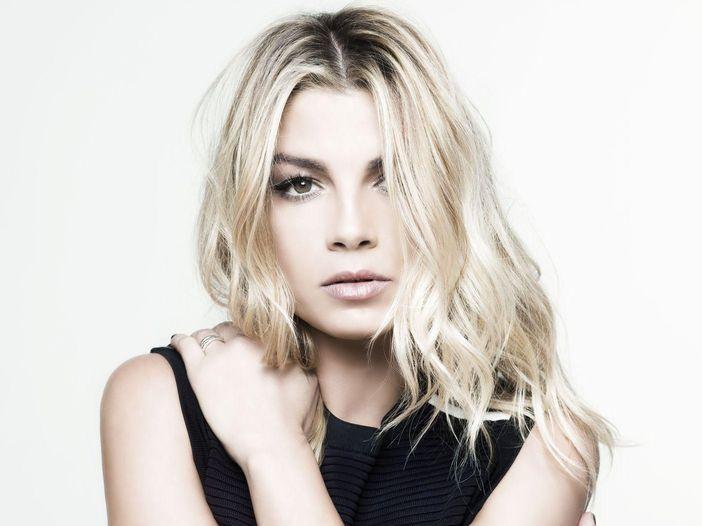 Emma e Alvaro Soler, il duetto sul nuovo singolo 'Libre' ai Wind Music Awards - GUARDA