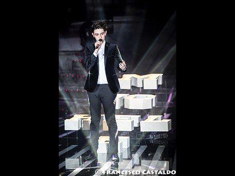 Michele Bravi, l'album di debutto è 'A passi piccoli' ed esce il 10 giugno