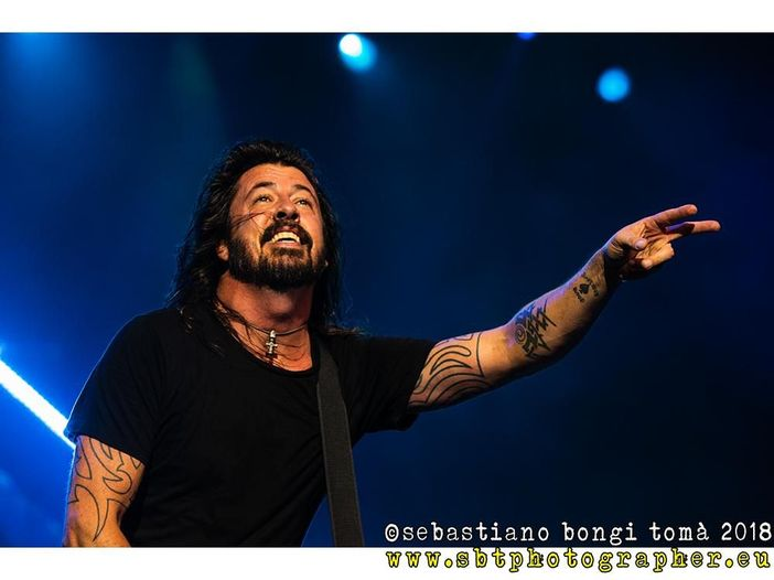 "Dave Grohl racconta di quando suonò ""Whole Lotta Love"" dei Led Zeppelin insieme a Prince - VIDEO"