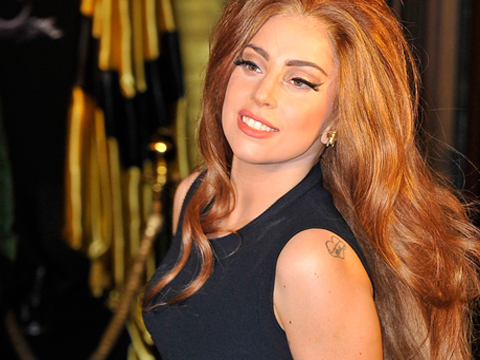 Lady Gaga, lo spot decisamente hot del suo nuovo profumo. VIDEO