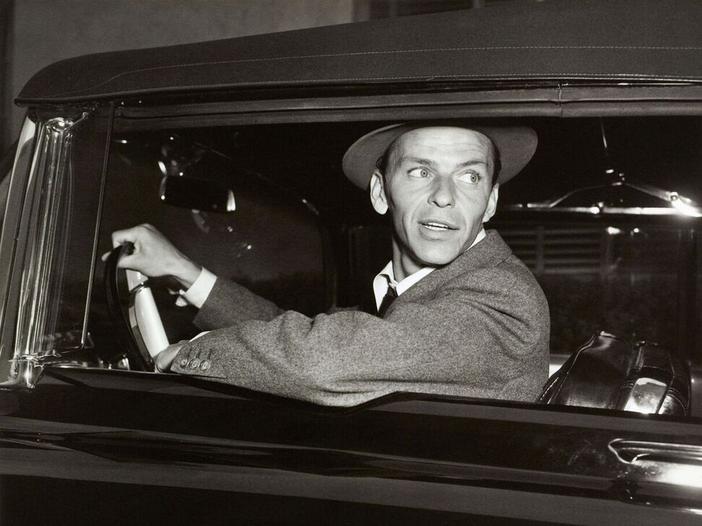 Frank Sinatra, verso il centesimo anniversario della nascita: a Los Angeles un concerto e una mostra