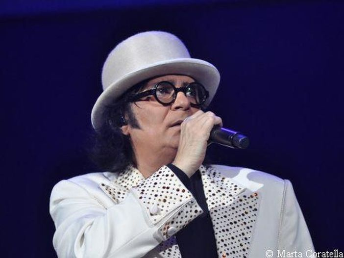 Renato Zero, esce il 18 maggio il doppio album dal vivo 'Zerovskij Solo per amore - Live'