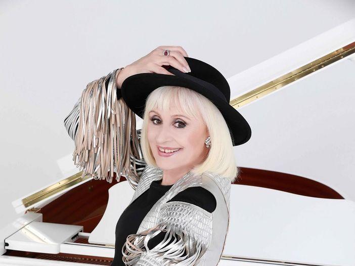 Addio a Raffaella Carrà: il mondo della musica saluta la showgirl