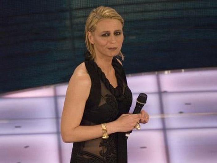 La De Filippi a Sanremo partecipa gratis: nessun cachet o gettone di presenza