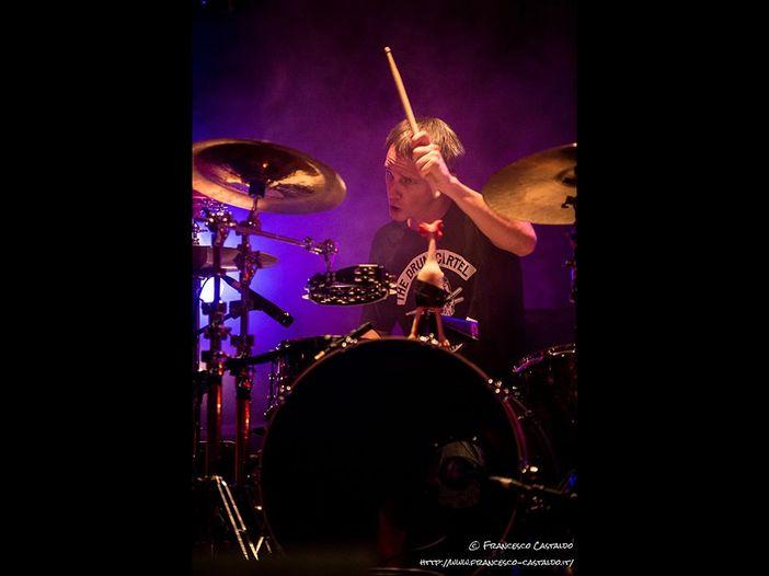 """Eagles of Death Metal, scrive il batterista Julian Dorio """"Sto contando i giorni per quando potrò finire quel concerto"""""""