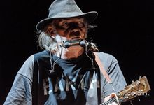 "La prima volta che Neil Young suonò ""Rockin' in The Free World"""