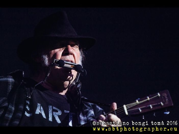 Neil Young è malato, ma non è nulla di grave