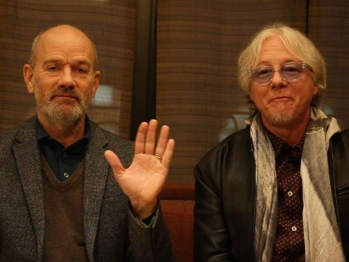 """R.E.M.: una versione live inedita di """"World Leader Pretend"""" per la campagna anti-Trump """"30 Days, 30 Songs"""" - ASCOLTA"""