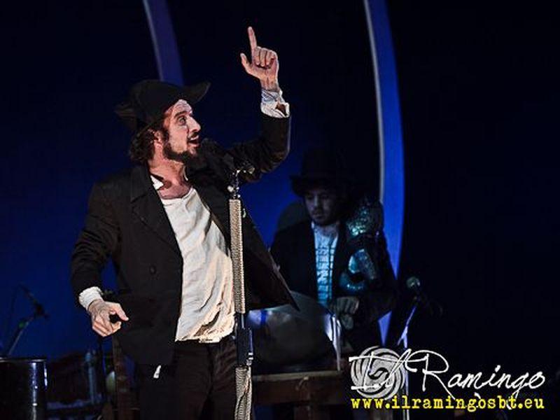 18 Dicembre 2011 - Teatro Goldoni - Livorno - Vinicio Capossela in concerto