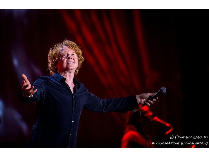 Music Control: tutto come prima, Simply Red in grande rimonta