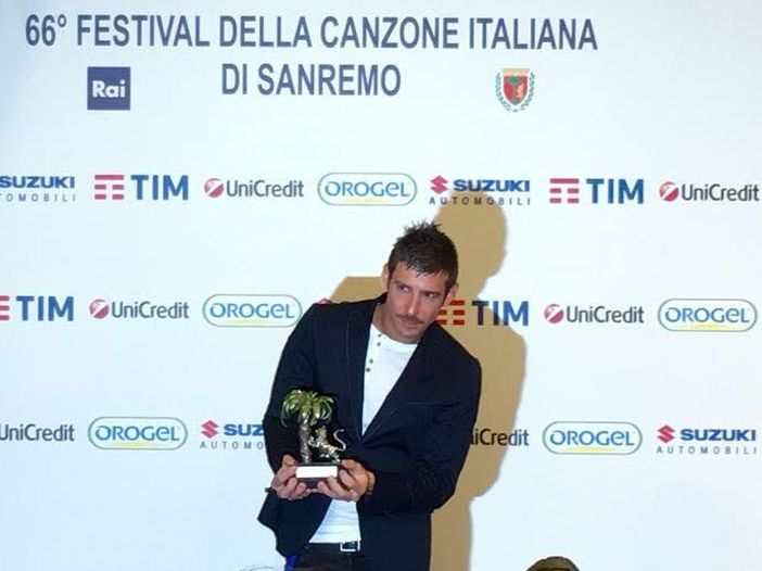 Sanremo 2016, il vincitore delle Nuove Proposte Francesco Gabbani in sala stampa: 'Amen? E' una canzone che fa ballare e riflettere'