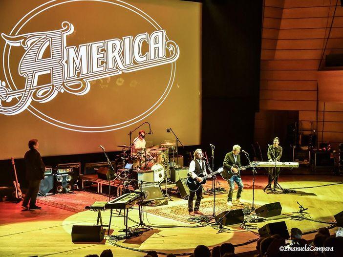 America: esce la compilation per il 50° anniversario - TRACKLIST/COPERTINA