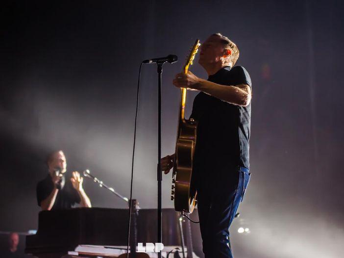 Bryan Adams, è in Rete tutto il nuovo album 'Tracks of my years' - ASCOLTA