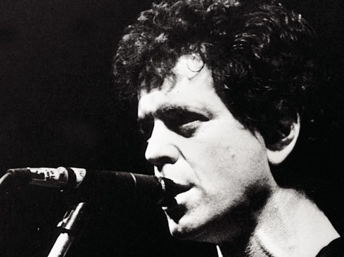 Quando un matto salì sul palco e morse il sedere a Lou Reed