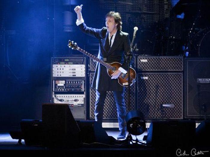 Paul McCartney a Glastonbury nel 2020? C'è una 'remota possibilità'