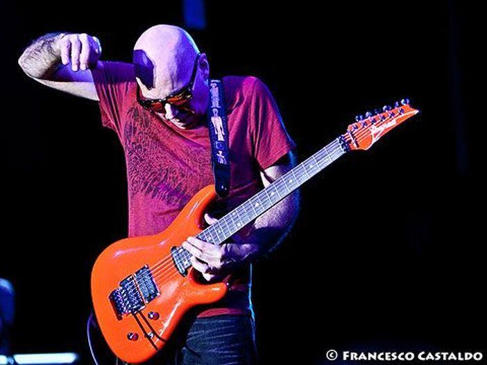 Joe Satriani, arriva il 21 aprile il cofanetto definitivo