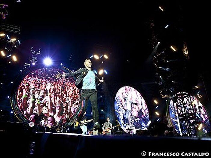 Coldplay, il Sun: 'Presto nei negozi il nuovo album'. Il management e un loro collaboratore italiano smentiscono: 'Ci stanno ancora lavorando'