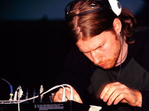 Aphex Twin accusa a Kanye West. E sul Web lo streaming di due brani da 'SYRO'