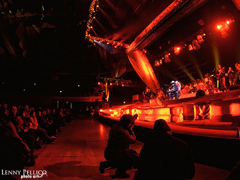 19 Novembre 2011 - FuturShow Station - Casalecchio di Reno (Bo) - Zucchero in concerto