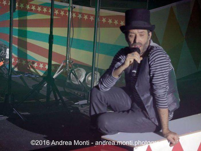 Daniele Silvestri agli Arcimboldi di Milano: la recensione del concerto