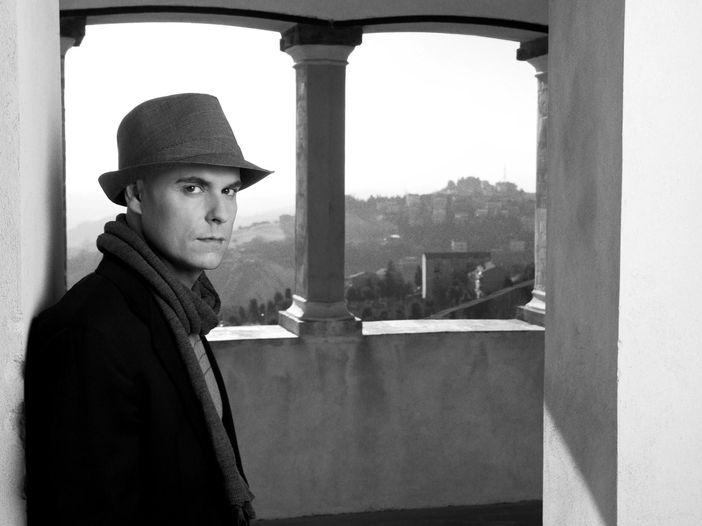 """Niccolò Agliardi: in uscita il romanzo """"Ti devo un ritorno"""" e la colonna sonora """"Braccialetti rossi 3"""""""