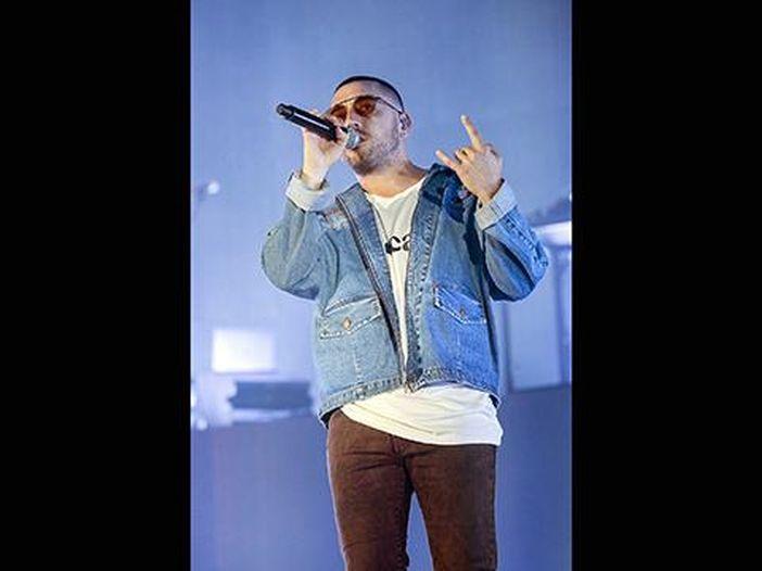 Coez cita Vasco nel nuovo singolo 'Domenica': ascolta