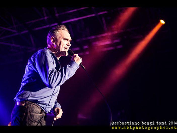 Morrissey annulla all'ultimo il concerto in California: 'Fa troppo freddo'