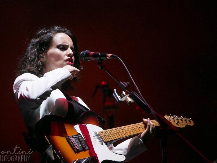 Concerti: per Anna Calvi quattro live italiani questa estate