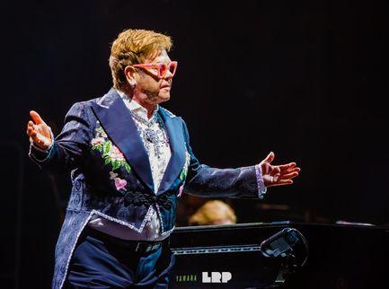 Elton John portato in tribunale dall'ex moglie Renate Blauel