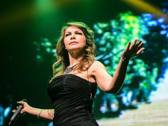 Cristina D'Avena canta la sigla del nuovo film dei Puffi e sogna un duetto con Jovanotti - ASCOLTA