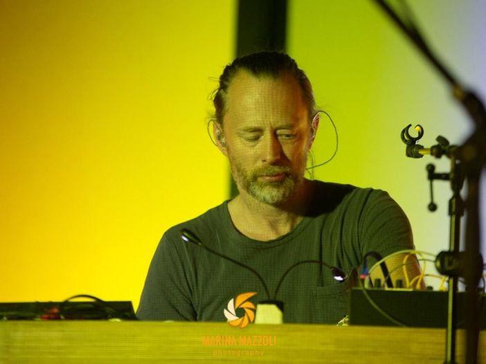 Thom Yorke, in rete una serie di video in cui suona al piano la colonna sonora di 'Suspiria' (e non solo)