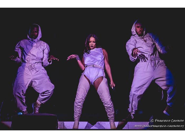 Rihanna arriva al sesto album da 1 milione di copie negli USA