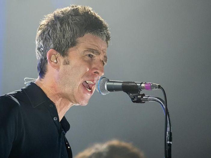 """Noel Gallagher: """"Ho scritto una canzone che sembra un pezzo dei Cure"""""""