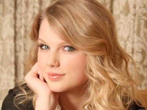 Taylor Swift, per il nuovo album vendita a tappeto nei negozi Walgreens
