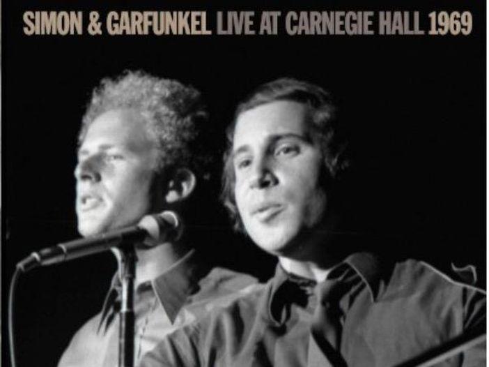 'Mrs Robinson' di Simon & Garfunkel compie gli anni: l'originale e le cover